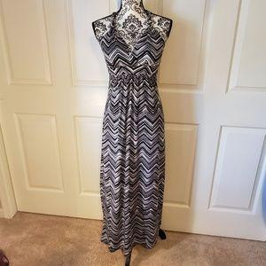 HeartSoul Black & White Maxi Dress Size M